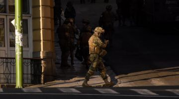 Detienen a falso militar que asistió a investidura de Luis Arce