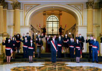 Perú: Sagasti posesiona a su gabinete ministerial liderado por abogada feminista