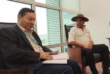 Bicentenario, doble vía y desastres, los temas de la visita oficial de la Gobernación a La Paz