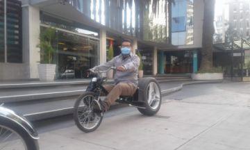 """La bicicleta eléctrica """"chopera"""" fabricada en Sucre, premiada en Cochabamba por Kamay"""