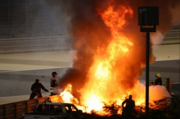 Espectacular accidente de Grosjean en el GP de Baréin