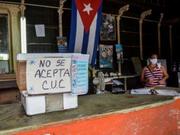 La moneda cubana se unifica y el precio del pan se dispara