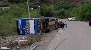 Suman tres los fallecidos por accidente en carretera; una mujer es otra de las víctimas
