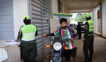 Gobierno comienza devolución de vehículos decomisados en cuarentena