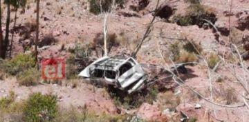 Cuatro fallecidos al embarrancarse un vehículo en el norte potosino