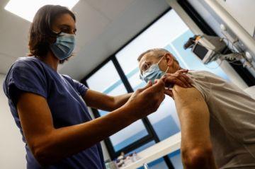 """UE admite """"insuficiencia"""" en producción de vacunas contra covid-19 y anuncia ayuda"""