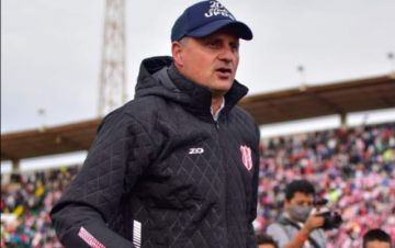 Marcelo Robledo continuará como director técnico de Independiente