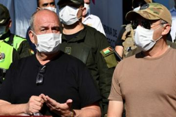 Fiscalía pide detención preventiva para exministros Murillo y López