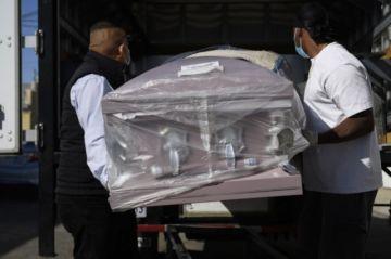 EEUU registra casi 4.500 muertes por covid-19 en un día