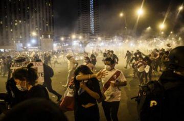 """ONU: La policía de Perú hizo un """"uso innecesario y excesivo de la fuerza"""" en las protestas de noviembre"""
