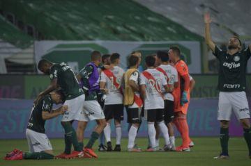 Libertadores: Palmeiras sufre para avanzar a la final a costa de un River batallador