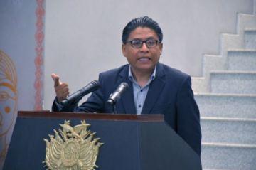 """Ministro de Justicia pide a los magistrados dejar de hacer """"viajes de turismo"""""""
