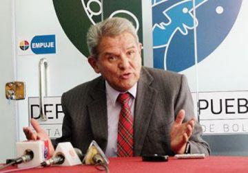 El exdefensor del Pueblo, Rolando Villena, fue intubado a causa del coronavirus