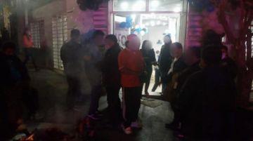 Casa de campaña del MAS y discotecas desalojadas en operativo nocturno del viernes