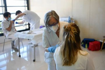 España pone en marcha administración de segunda dosis de vacuna anticovid