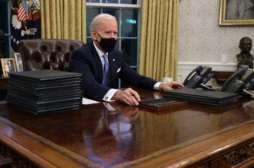 Biden firma decretos incluyendo orden de retorno de EEUU al acuerdo del clima de París y OMS