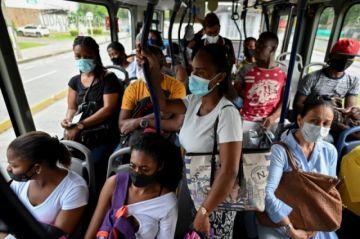 Colombia rebasa los dos millones de contagios por covid-19