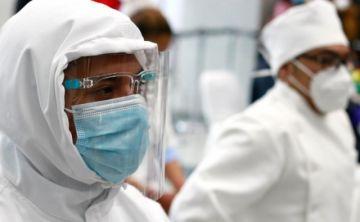 """""""Hemos dejado de ser héroes de blanco para ser víctimas"""", el clamor de los trabajadores de salud"""