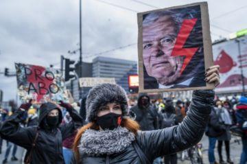 Polonia promulga una prohibición casi total del aborto