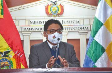 Lima plantea conciliación en casos de violencia familiar y luego se retracta