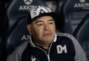 Un psicológo y dos enfermeros engrosan lista de investigados por muerte de Maradona