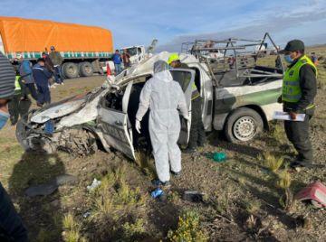 Dos muertos en choque entre patrulla policial y vehículo particular en ruta Oruro-Potosí