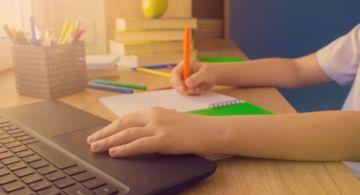 Sucre: Padres de una unidad educativa analizan enviar a sus hijos a clases semipresenciales