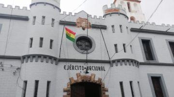 Región Militar incumplió normas de patrimonio al retirar escudo; Alcaldía pide reposición inmediata