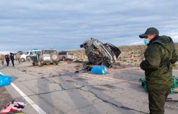 Oruro: Colisión entre una camioneta y un vehículo de la Aduana deja dos fallecidos
