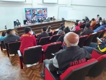 Cívicos de Chuquisaca y Potosí dan un plazo de 72 horas al Gobierno para que promulgue la ley del agua