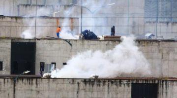 Al menos 50 presos muertos en amotinamientos en tres cárceles de Ecuador