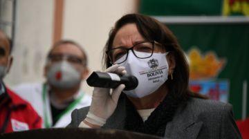 Confirman imputación a exministra Roca por compra de respiradores chinos