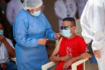 Enfermos renales, primeros beneficiados de vacunación masiva en Sucre