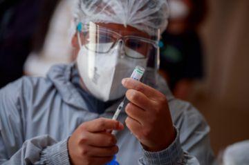 Chuquisaca: Adultos mayores aún deben esperar vacunas, pero ya pueden registrarse para recibirlas