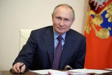 Putin se vacunará el martes contra el covid-19 lejos de las cámaras