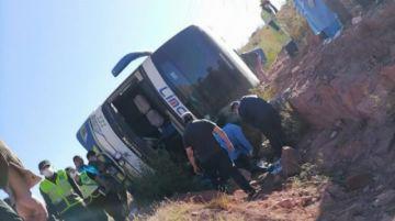 Sube a siete la cifra de fallecidos en accidente de bus en ruta Camargo-Tarija