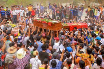 """Birmania supera las 500 muertes por protestas; advierten riesgo de """"guerra civil"""""""