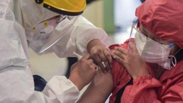 Bolivia abre nueva etapa de vacunación anticovid; zonas fronterizas tienen prioridad