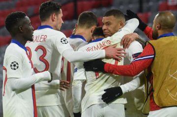 PSG tumba al campeón y Chelsea acaricia las semis de Champions