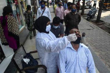 Récord de covid-19 en India: Más de 115 mil contagios en 24 horas