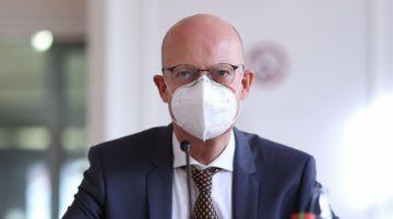Un Alcalde suspendido en Alemania por vacunarse sin ser prioritario