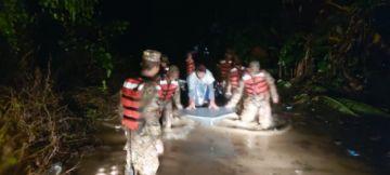 Rescatan a 30 familias afectadas por lluvias en Cochabamba
