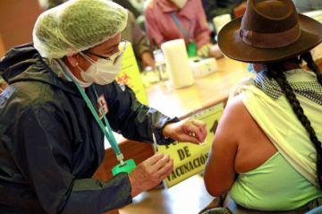 Sucre: Más de 5.400 personas mayores de 60 años fueron vacunadas en dos días