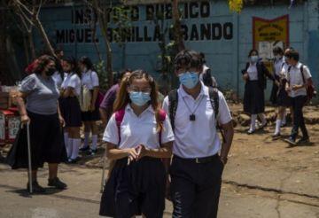 El covid-19 acecha a las escuelas en una Nicaragua que nunca paró las clases