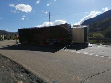 Accidente en carretera Potosí–Sucre deja una persona fallecida y nueve heridos