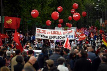 Miles de personas celebran en las calles el 1 de Mayo en España