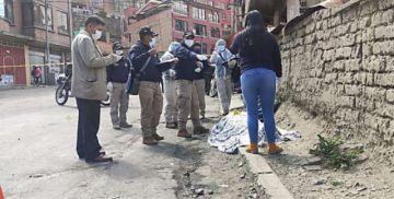 La Paz: Atracan y asesinan a una mujer con dos disparos en plena vía pública