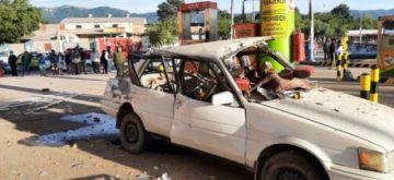 Explota el tanque de gas de un vehículo en surtidor de Yacuiba