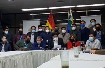 Acuerdan suspender actividad en ruta férrea La Paz-Arica