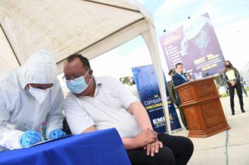 El Gobierno abre campaña de vacunación masiva para periodistas